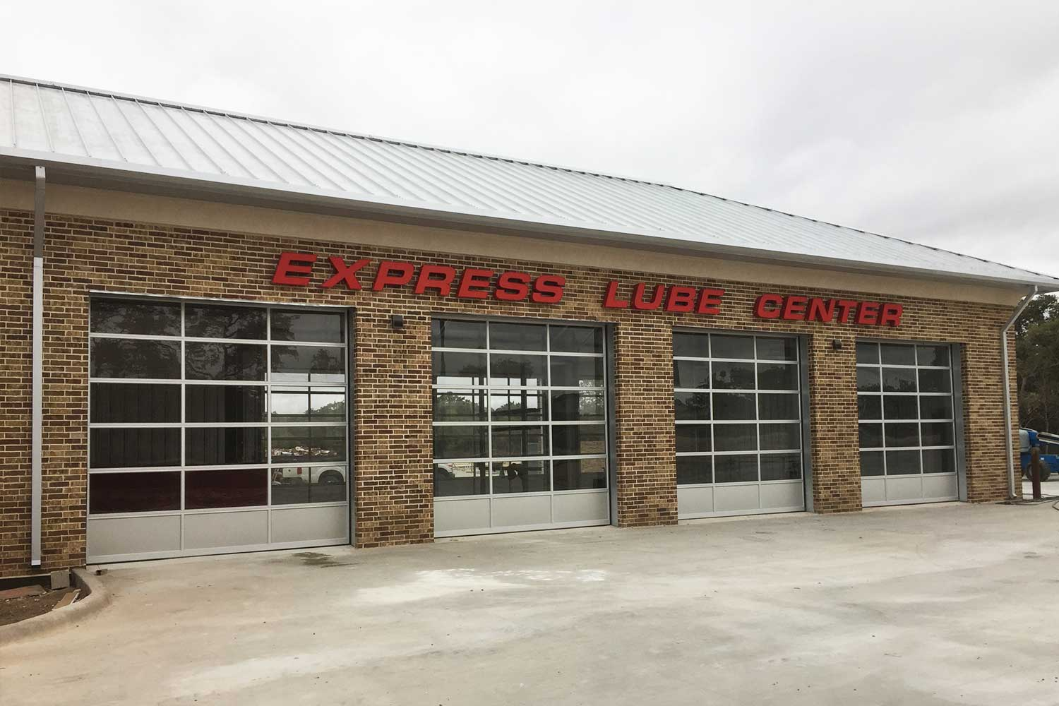channel letter signage on exterior building of express lube