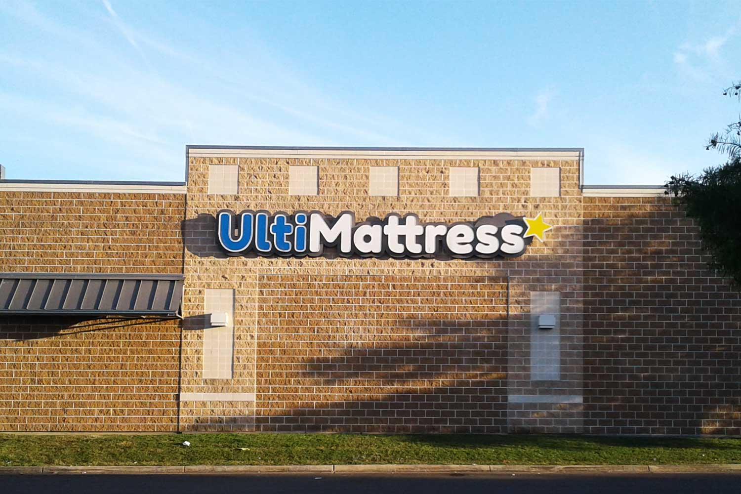ulti mattress channel letter signs in san antonio tx